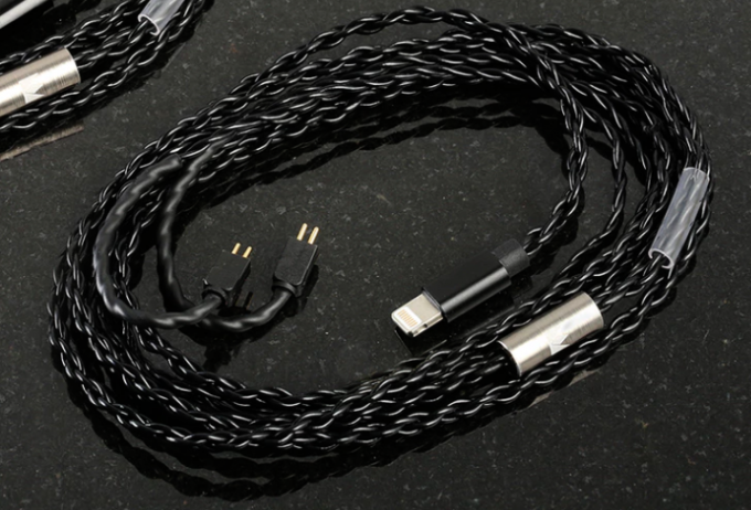 noble-x-lightning-cable