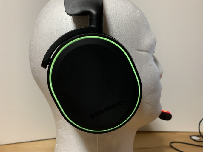 steelseries-arctis-5-headphones-2019